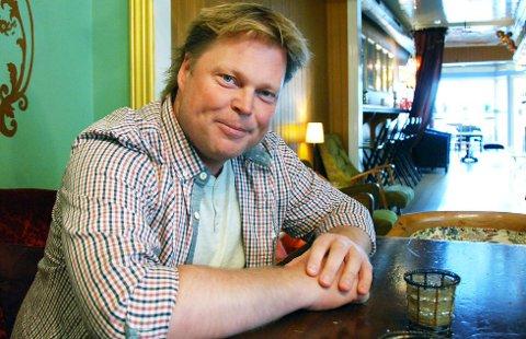 FOR TV: Den populære krimforfatteren Jørn Lier Horst, opprinnelig  fra Bamble, er ikke bare aktuell med en ny Wisting-roman. Han har også skrevet bakgrunnshistorien til «Dødens tjern». ARKIVFOTO