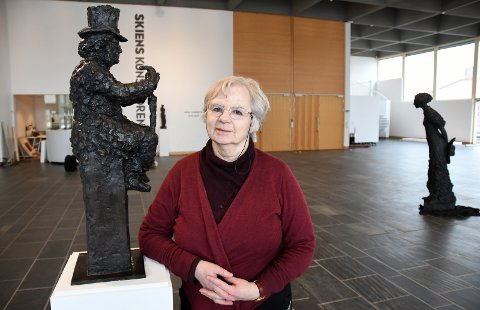PRODUKTIV: Nina Sundbye regnes som               en av våre ledende billedhuggere. Hennes skulpturer er spredt over store deler av landet, og Ibsen har alltid vært en del av hennes univers.