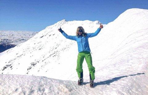 ET KICK: Toppturene gir et kick og ekstra motivasjon til resten av arbeidsdagen forteller Karin Ramsdalen (her fra en tidligere topptur).