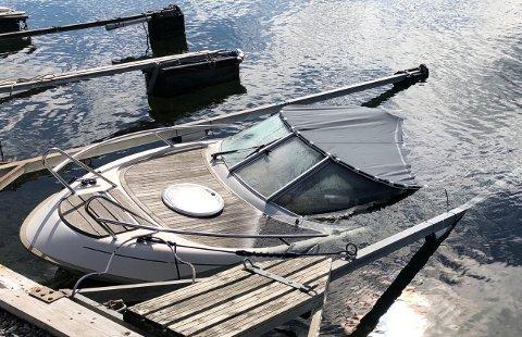 STORE SKADER: Mange båter har fått store skader i løpet av året.