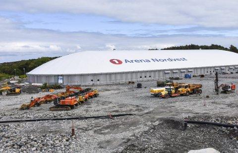 Sommerferie: Ting står på stedet hvil på nye Atlanten stadion. Men arbeidet starter opp igjen 5. august.