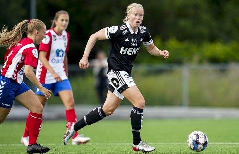Gullkamp: Julie Blakstad og Rosenborg kjemper om gull i Toppserien. Laget er ett poeng bak Vålerenga når kun én runde gjenstår. Foto: NTB