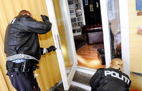 VINTER-KRIM: Det er kjedelig å komme hjem til et robbet hus. Men noen enkle grep kan du ta for at tyvene skal ligge unna.