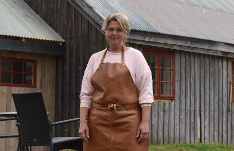 LETTET: Monica Aas var naturligvis lettet og glad for beskjeden om at hun nå kan få åpne kafeen igjen.