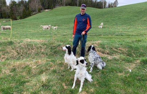 Krystallklar: Sauebonde Eirik Kolbjørnshus har flere hunder sjøl og engasjerer seg for aversjonstrening. Han mener flere må sende hundene sine på kurs for å unngå hendelser som den på Luskeråsen i helga.