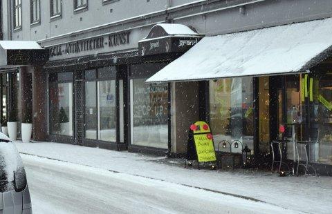 NYTT LIV: Lokalene i Grandgården blir fylt opp i løpet av mars-april etter å ha stått tomme en stund. Her kommer filial av Lokal Kolonial, en klesforretning og en gavebutikk. Foto: Lars Døvle Larssen