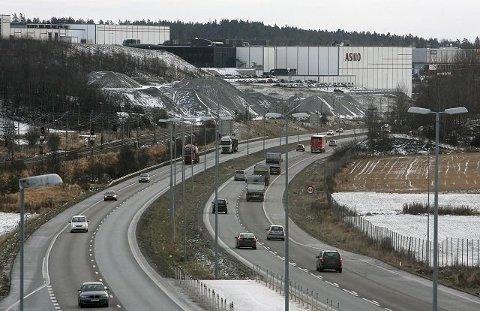 LAVERE FART: I sommer har du kunne kjøre i 110 km/t på E6 mellom Korsegården og Moss. Nå er fartsgrensen satt ned.