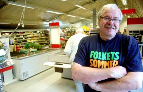 Selger: Odd Inge Sliper har drevet butikk både på Gjøra og på Lønset. Nå vil han selge på Gjøra.Arkiv