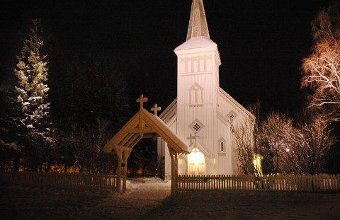 Bearbeide sorg: I Saltdal kirke avholdes det regelmessige gudstjenester, men sorgkafeen blir å finne sted på menighetssenteret på Rognan.