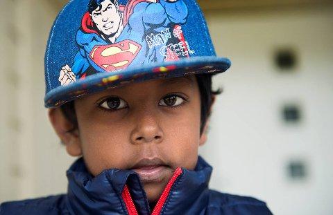 Markus Hopsdal er adoptert fra Sri Lanka og hans historie har allerede fått mye oppmerksomhet. - Eg e født på Sri Lanka, eg, sier han likefremt, og er ikke videre opptatt av det. Foto: Rune Johansen