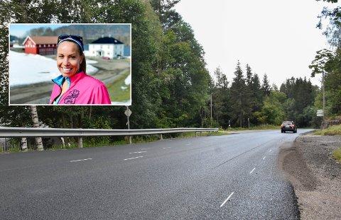TIPP TOPP: Det er ikke lenge siden eikværinger kåret Hagatjernveien til Eikers nest dårligste vei. Nå er veien så god som ny, og det er Carina Kristiansen veldig fornøyd med.