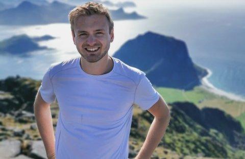 VIL INSPIRERE: Magnus Myrhol, 26 år frå Svelgen, skal vere lærar ved Forskarfabrikken sin sommarskule i Florø.