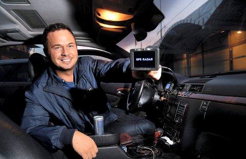 Magnus Wester avbilda saman med sitt nye produkt, GPS Radar.