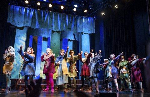 Storslått: Vindeleka traff blink med scenografi, lys, kostymer og kulisser, da de satt opp «Robin Hood» på Verdensspeilet.