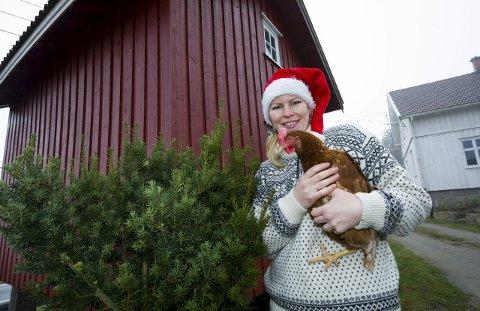Gleder seg: Gunhild Bendz Larsen og mannen Anas Amrhar inviterer til julemarked hjemme på tunet i Onsøy. – Vi ønsker å skape litt liv i bygda, sier hun.