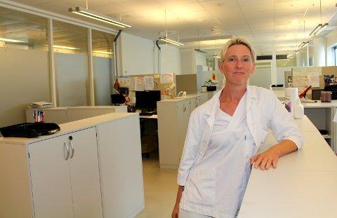 IKKE RÅD TIL Å SLURVE: Smittevernoverlege Silje Bakken Jørgensen ved Ahus  mener kontinuerlig bruk av smittevernutstyr øker faren for feilbruk.