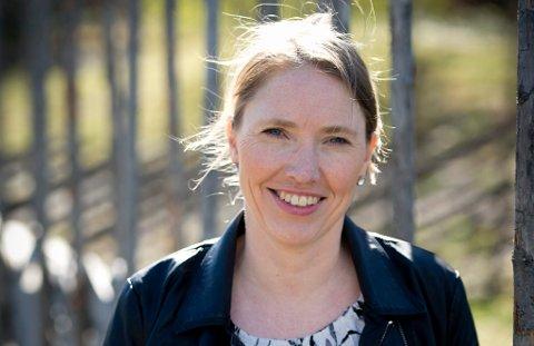 Bente Odlo trives i jobben som landbruksdirektør i Oppland.