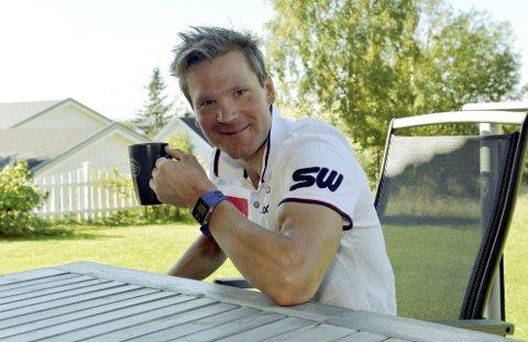 OL-MESTER: Øystein Pettersen er klar for Mesternes mester på NRK. Han tar gjerne utfordringen i nattesten, men har lite erfaring med å fange lysrør som faller ned.