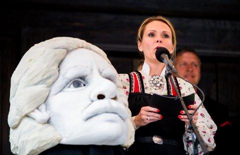 Kulturminister Linda Hofstad Helleland åpnet årets Peer Gynt-forestilling.