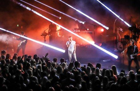 Brygga kultursal har kuttet antall arrangementer i 2018 på grunn av inntektssvikt. Høstens konsert med Sondre Justad var en av flere arrangementer som ble utsolgt.