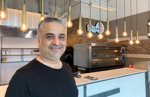 SATSER: Hakan Kayhan har lang erfaring fra det italienske kjøkkenet og gleder seg til å tilby haldenserne fristende retter fra Amore som åpner på Tista senter i dag.