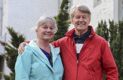 Gode venner: Connie Cox Cunningham og Sjur Sekse har delt kvardagshistorier med kvarandre i 55 år. Foto: Synnøve Nyheim