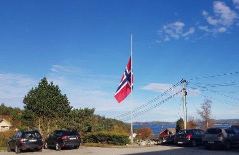 Det ble flagget på hav stang på Bokn denne uken etter tragedien.