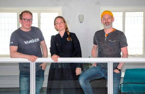 FØLELSE FOR FESTIVAL: Vangen-familien er blitt storfamilie, i følge Henry Røthing (t.v.), Hanne Eidsvåg Andersen og Steinar Liadal.