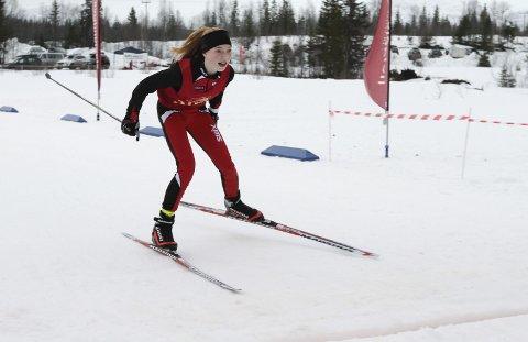 KM på ski Sjåmoen fristil. Arrangør Mosjøen IL Ski. Kretsmester J13 Hanna Bjørnli, Halsøy