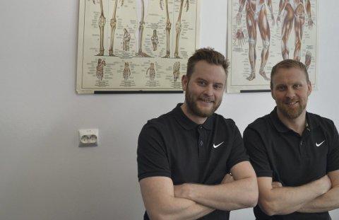 Mye kompetanse: I tillegg til fysioterapiutdanning har Ole Martin Lied (venstre) og Vegard Lyngheim Theting flere videreutdanninger.