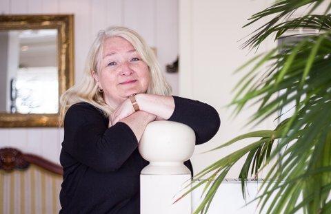 ÅRSREKORD: Turid Strand har ansvaret for økonomien for Blå Måke AS. Hun forteller at omsetningsrekorden kom overraskende.