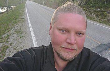 TØRR VEI: - Det var nesten flaut å møte folk på tørre veier onsdag, etter at jeg kvelden før hadde stått fram om frykten for forsyninger, sier en lattermild Erling Solbakk Henriksen.