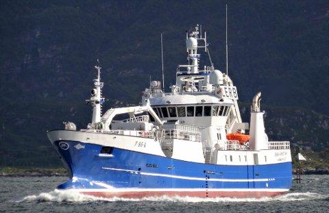 EN AV NORGES DYRESTE BÅTER: «Jens Kristian» er en topp moderne fiskebåt. Nå får innbyggerne i Alta en unik mulighet til å se hvordan båten ser ut.