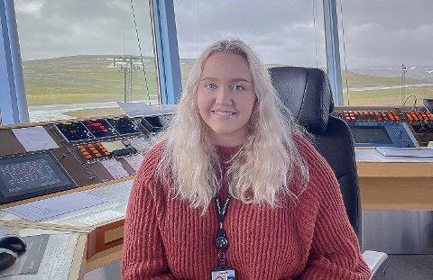 JOBBER SELVSTENDIG: Emilie Lund jobber nå selvstendig, etter opplæring i både Sverige og Nordland. Hun anbefaler yrket til de som er interessert.