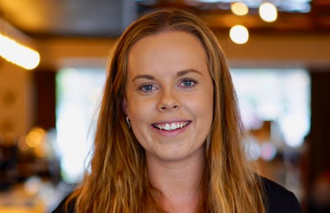 GLEDER SEG: Elisabeth Emanuelsen tar fatt på jobben i Vadsø med stor iver.