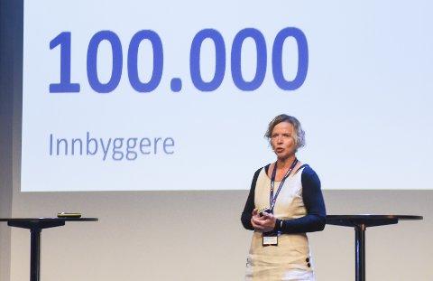 - Det er en tid for alt. Nå handler det om å se muligheten flyplassen gir Helgeland, for å skape nye jobber og gi regionen mange nye innbyggere, sier administrerende direktør Hanne Nordgaard i Sparebank 1 Helgeland.