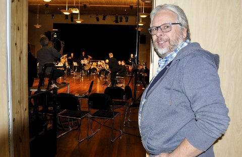 KONSERTKLAR: Svein Erik Schulze, leder for Holmestrand Brass. FOTO: BJØRN TORE BRØSKE