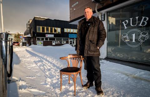 UAKTUELT: Roald Arne Erlandsen er daglig leder for Pub1 i Kirkenes. De har hatt noen tøffe uker, men er nå klar for å åpne dørene igjen.