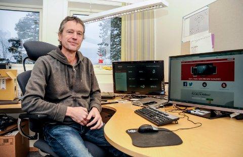 Karl Arnfinn Wik ved Kragerø Bredbånd er godt fornøyd med nok et godt resultat.