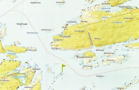 GRUNNSTØTING: De røde strekene viser kursen «Perlen» vanligvis kjører mellom Skåtøy og Oterøy på vei til Jomfruland. Det grønne flagget viser hvor selve grunnstøtingen fant sted.
