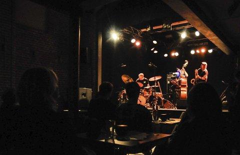 Tilbake: The Thing hadde konsert på Mølla. Fra venstre Paal Nilssen-Love (trommer), Ingebrigt Håker Flaten (bass) og Mats Gustafsson (saksofoner). FOTO: IRENE MJØSENG
