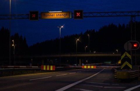 STENGER: Statens Vegvesen nattestenger Nordbytunnelen, Follotunnelen og Smiehagetunnelen i uke 14.