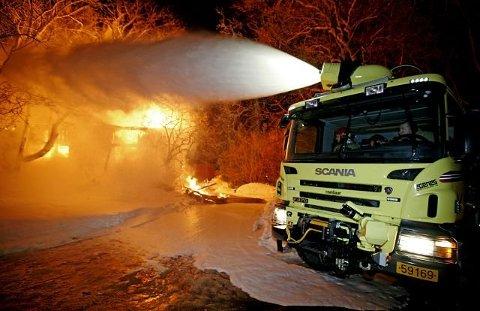 SKADET: En brannmann ved Rygge flystasjon ble skadet under en øvelse onsdag. Personen ble sendt til Kalnes sykehus.