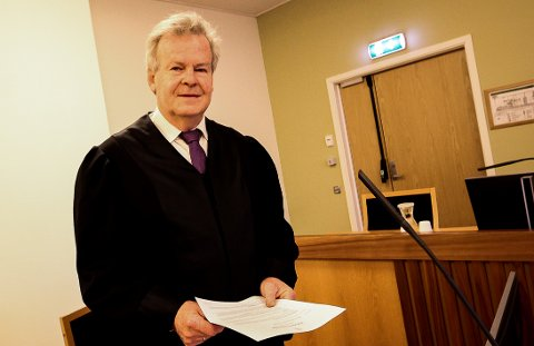 BA OM FENGSEL: Aktor Nils Vegard ville ha den bedrageritiltalte bilselgeren i fengsel i 10 måneder.
