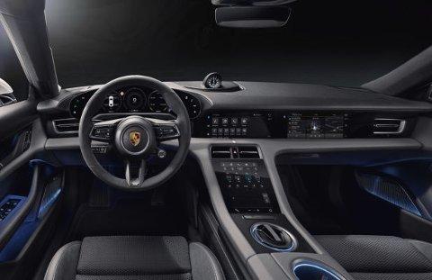 Det er ingen tvil om at Porsche har tatt et langt sted videre med interiøret på Taycan. Finner du noen fysiske knapper her?