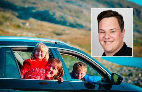 BEKYMRA: De fleste velger å fortsatt feriere i Norge, men stadig flere velger da å ikke ha reiseforsikring. Det bekymrer Arne Martin Drag, finansrådgiver i SpareBank 1 SMN.