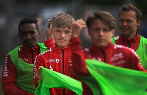 REISEKLAR: TIL hadde et håp om å låne Isak Hansen-Aarøen ut sesongen, men nå er unggutten ønsket over til Manchester United som avtalt i august. Trolig ble det med sju A-lagsinnhopp for unggutten som blir 16 år 22. august.