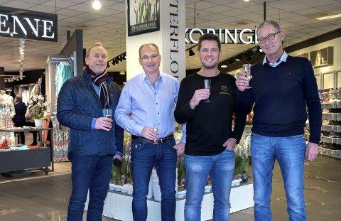 Nyåpning: Peter Huuse, Tore Ruud, Jørn Thore Aashaug og Ole Andreas Solberg viste stolt fram de nye, moderne lokalene i Huusegården. Foto: Asbjørn Risbakken