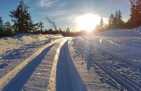 ENDELIG NOK SNØ: Bildet er fra Gubberudrunden i Vardal, som fotografen gikk på torsdag