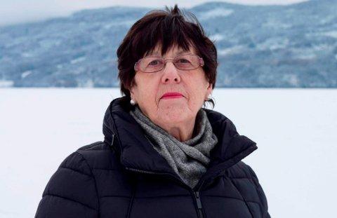 Berit Skogsbakken Aasen (Ap) vil ikke bruke penger på en kunstfaglig ekspert for råd om utsmykning på sykehjemmet.